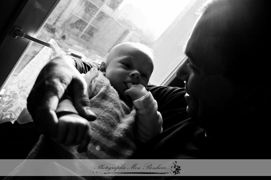 photographe sur paris de naissance et bébé, jeunes parents, lifestyle, petit bout, photo de bébé, photo de naissance, photo de nouveau-né, photographe bébé, séance photo, portrait de bébé
