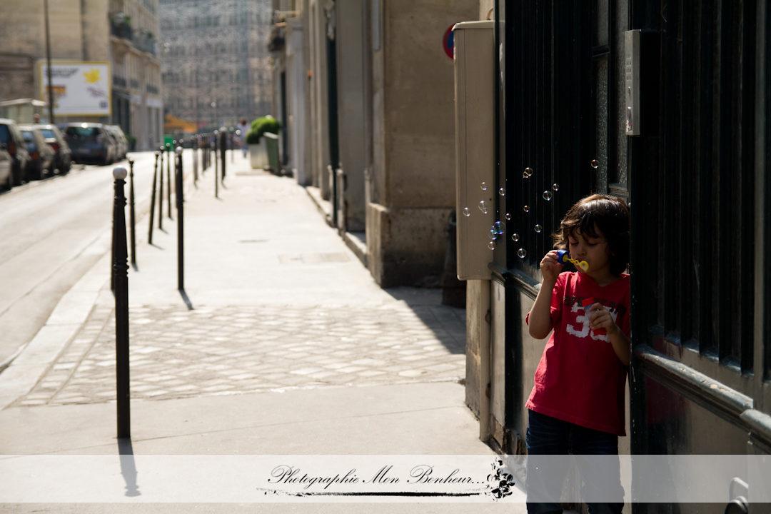 jardin des Tuileries, lumière naturelle, portrait d'enfant, séance lifestyle, séance photo
