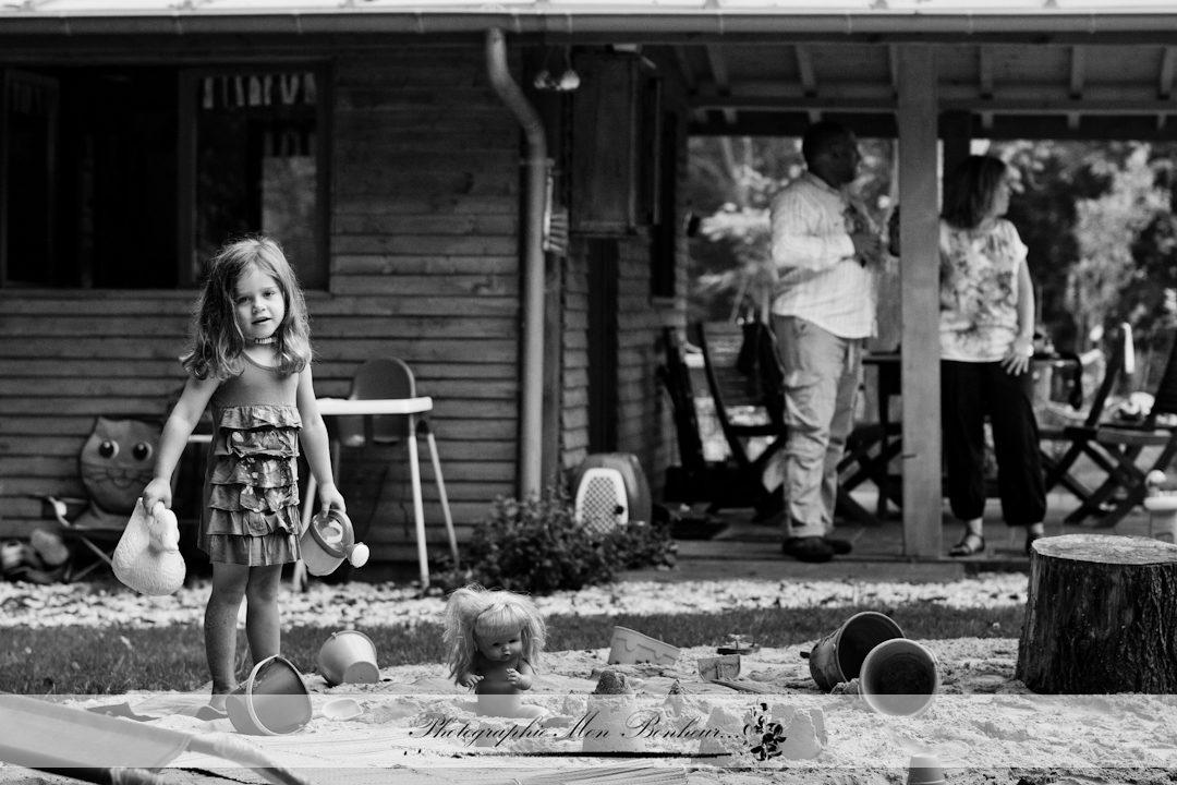 étang, cadre magnifique, instant de pèche avec leurs enfants, jardin, moment en famille, offrir une séance photo, petit balade en barque, photo reportage et portrait, photographe d'extérieur, photographe d'extérieur à Paris, photographe d'instants de vie, photographe de rue, photographe famille, photographe famille vincennes, photographe paris, photographe porte dorée paris, portrait de famille à domicile, séance famille, séance photo, séance photo famille