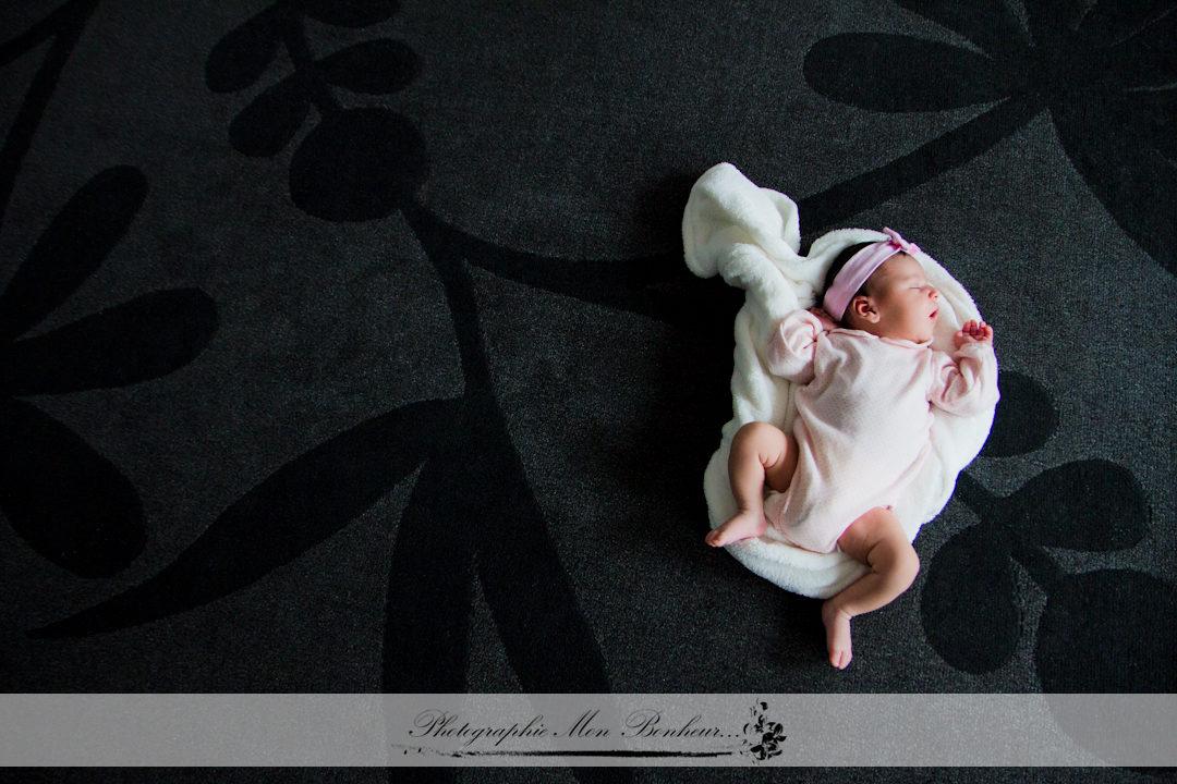 jeunes parents, photo de maternité, photographe femme en région parisienne, séance photo naissance, shooting bébé, shooting photo à paris, studio en lumière du jour